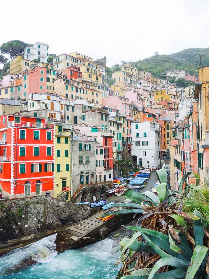 Cinque Terre Travel Guide Train Hiking Italy Information Advice Reccomendation Colourful_-31