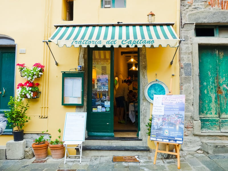 Cinque Terre Travel Guide Train Hiking Italy Information Advice Reccomendation Colourful_-44
