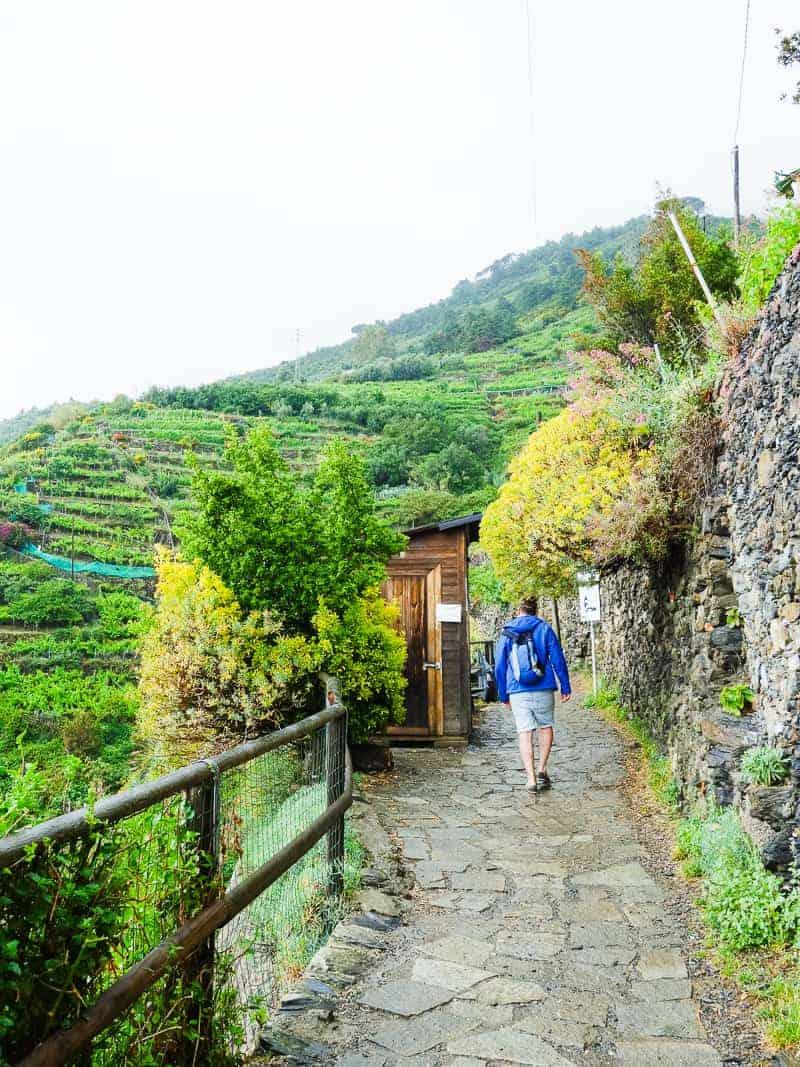 Cinque Terre Travel Guide Train Hiking Italy Information Advice Reccomendation Colourful_-50