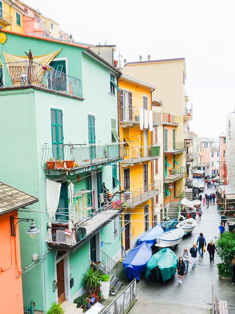 Cinque Terre Travel Guide Train Hiking Italy Information Advice Reccomendation Colourful_-62