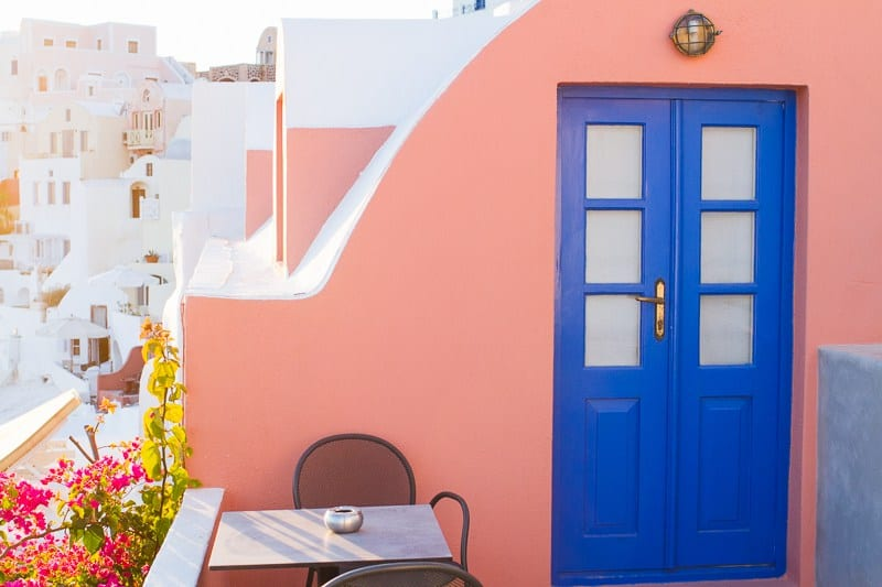 Santorini-Oia-Travel-Guide-Reccomendations-Honeymoon-Colourful-Place-Greece_-20