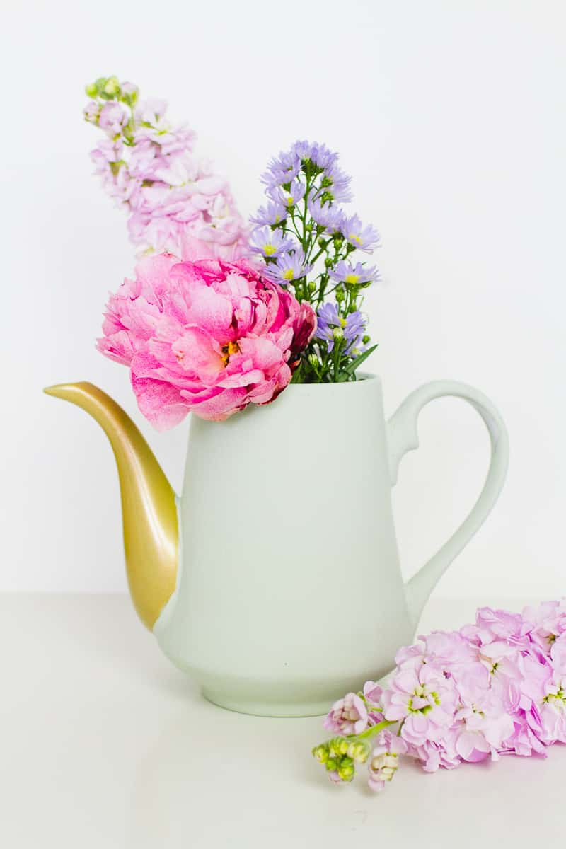 How To Turn Teapots Into Flower Vase Centrepieces For Your Wedding