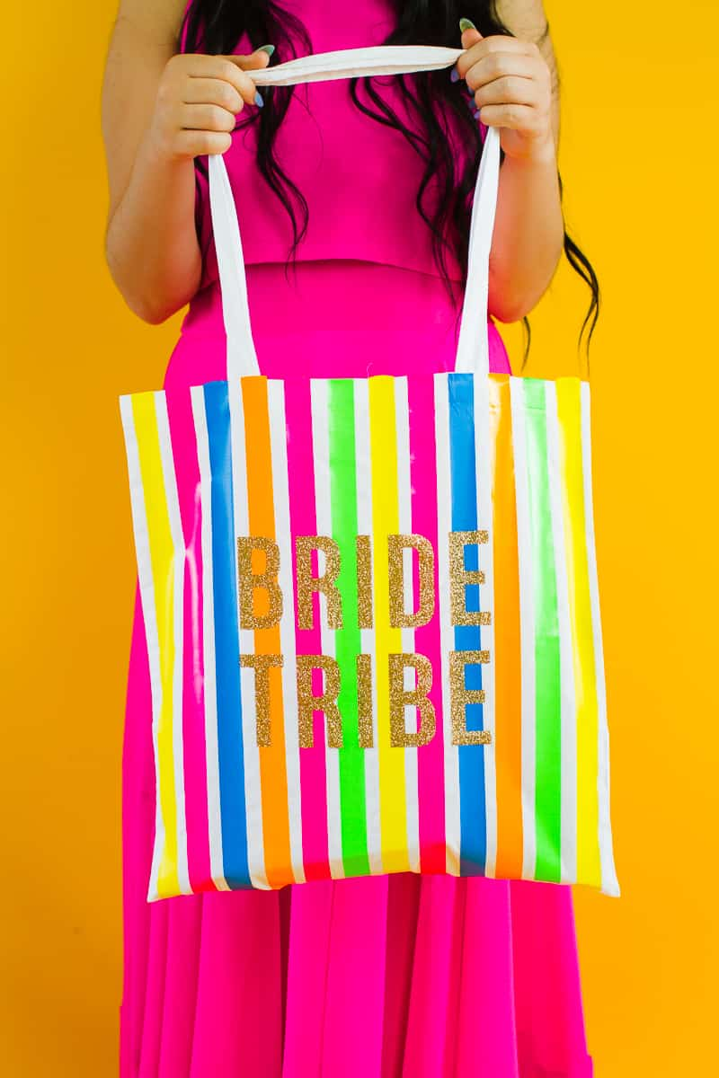 Bride tribe tote bag DIY tutorial Neon fun bridesmaid gift Cricut Explore Iron on Bag_-3