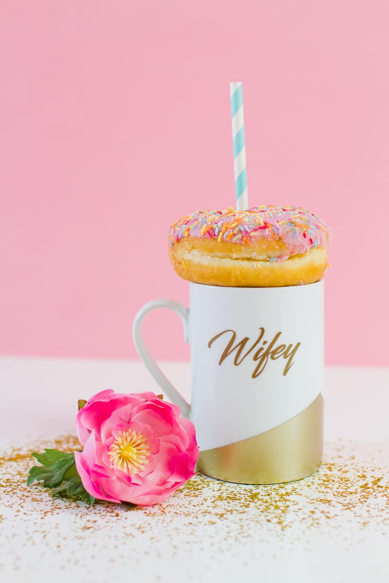 DIY Wifey Hubby mugs metallic gold bronze geometric bride grrom homemade gift idea cricut_-5