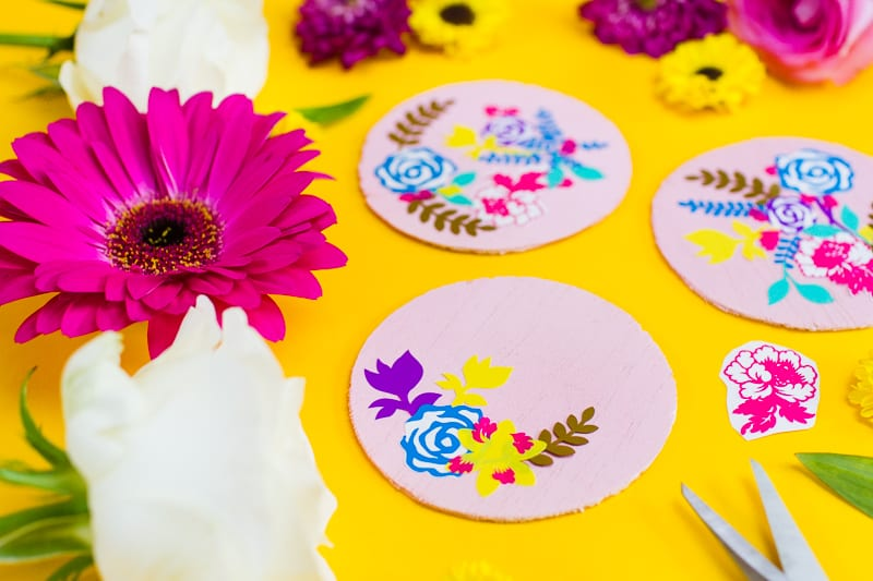 DIY floral flower coasters with Cricut vinyl project wedding table decor pretty favours foliage-2