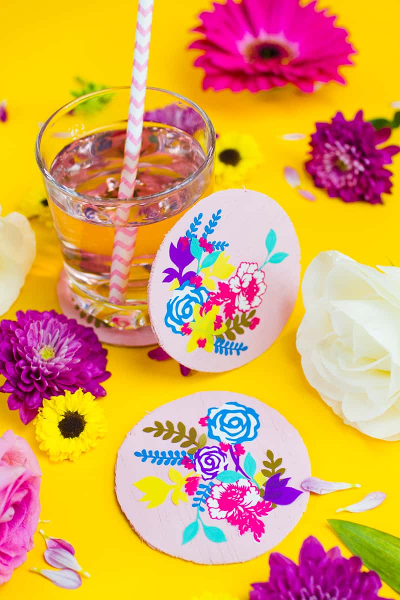 DIY floral flower coasters with Cricut vinyl project wedding table decor pretty favours foliage-6