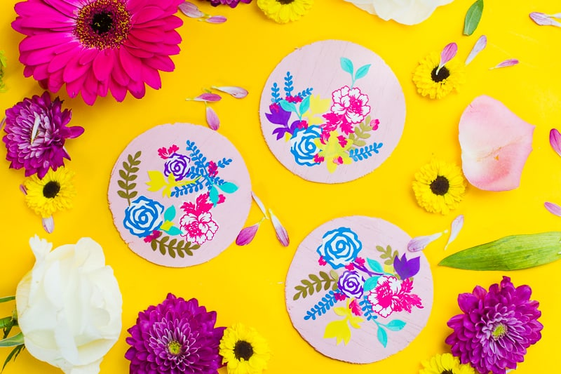 DIY floral flower coasters with Cricut vinyl project wedding table decor pretty favours foliage-7