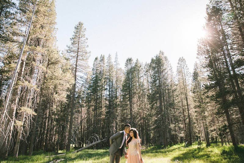 DREAMY SUNSET ENGAGEMENT IN YOSEMITE PARK (3)