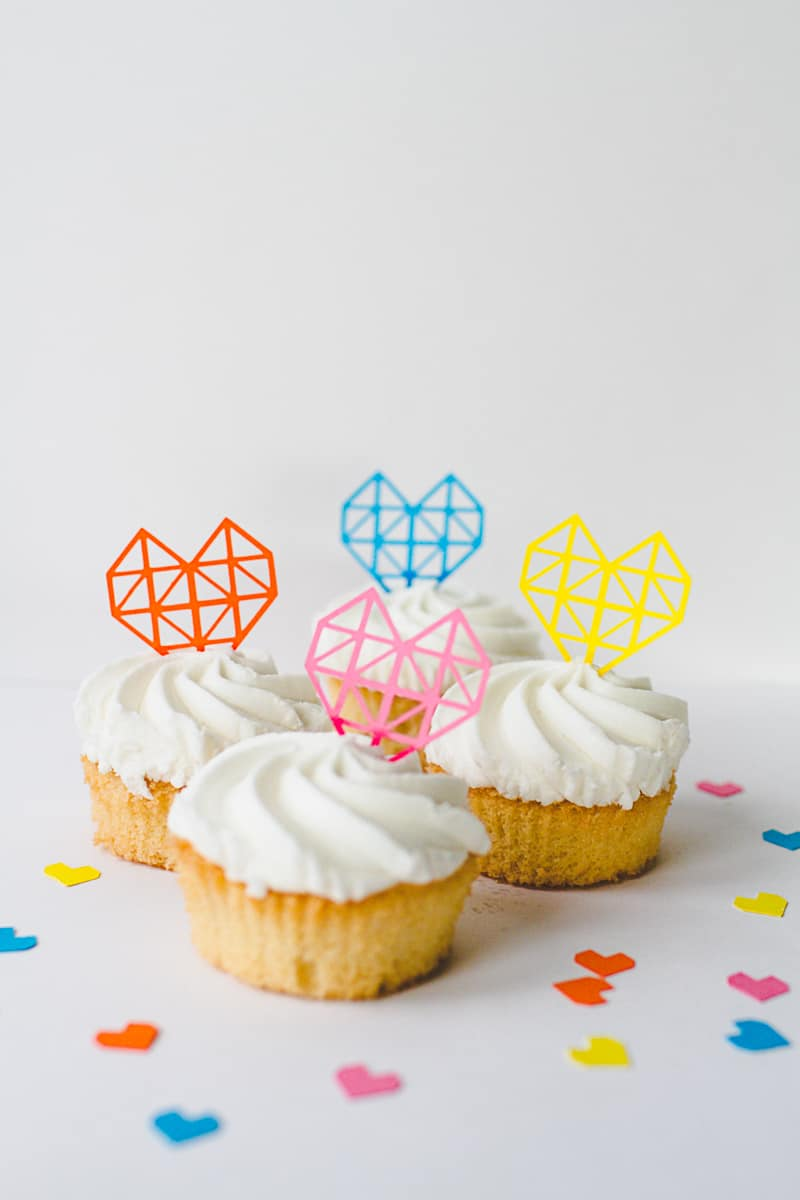 Geometric-Heart-Cake-Toppers-DIY-Fun-Colourful-Cricut-Cupcakes-Valentines