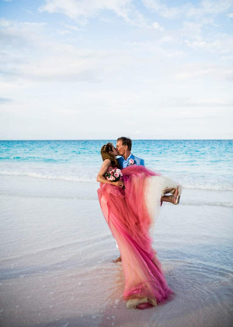 REAL LIFE CINDERELLA FAIRY TALE WEDDING IN THE BAHAMAS WITH A PINK VERA WANG DRESS (4)