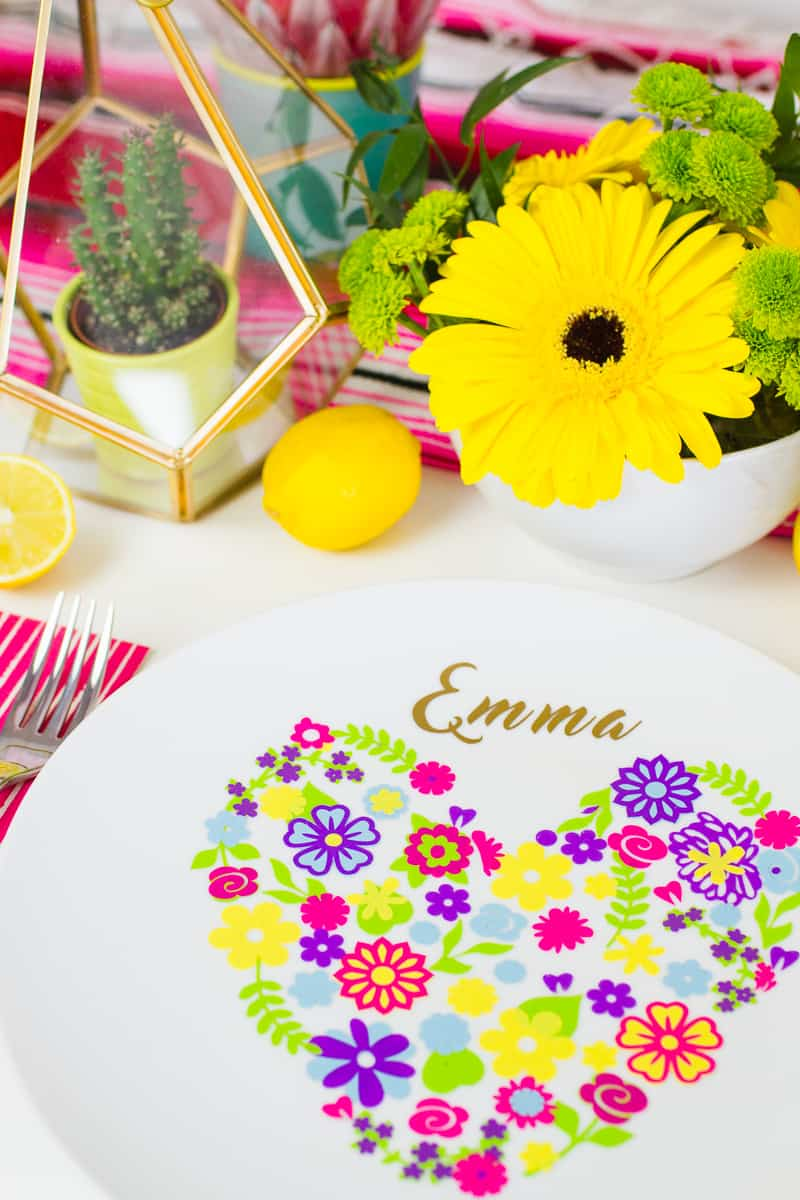 diy-floral-flower-place-setting-plate-name-place-summer-table-decorations-wedding-5