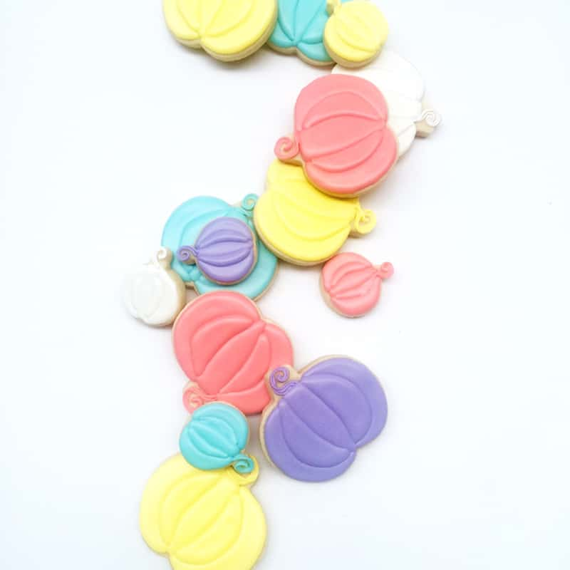 diy-pastel-pumpkin-cookies-for-halloween