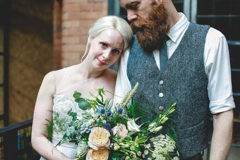 edgy-minimalistic-wedding-in-a-birmingham-art-gallery-10