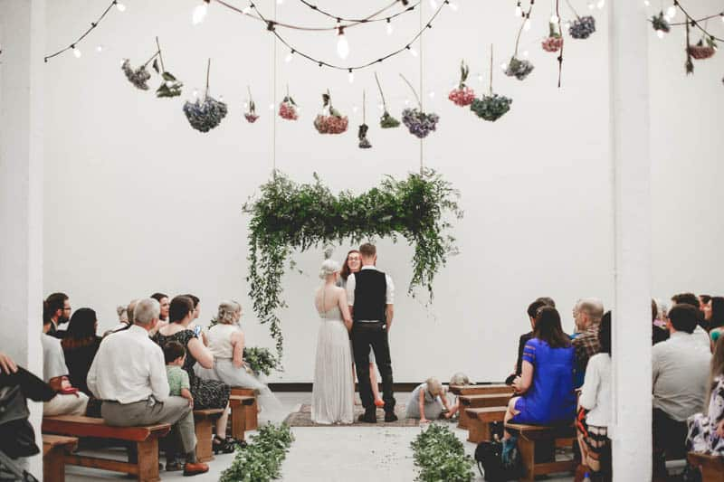 edgy-minimalistic-wedding-in-a-birmingham-art-gallery-13