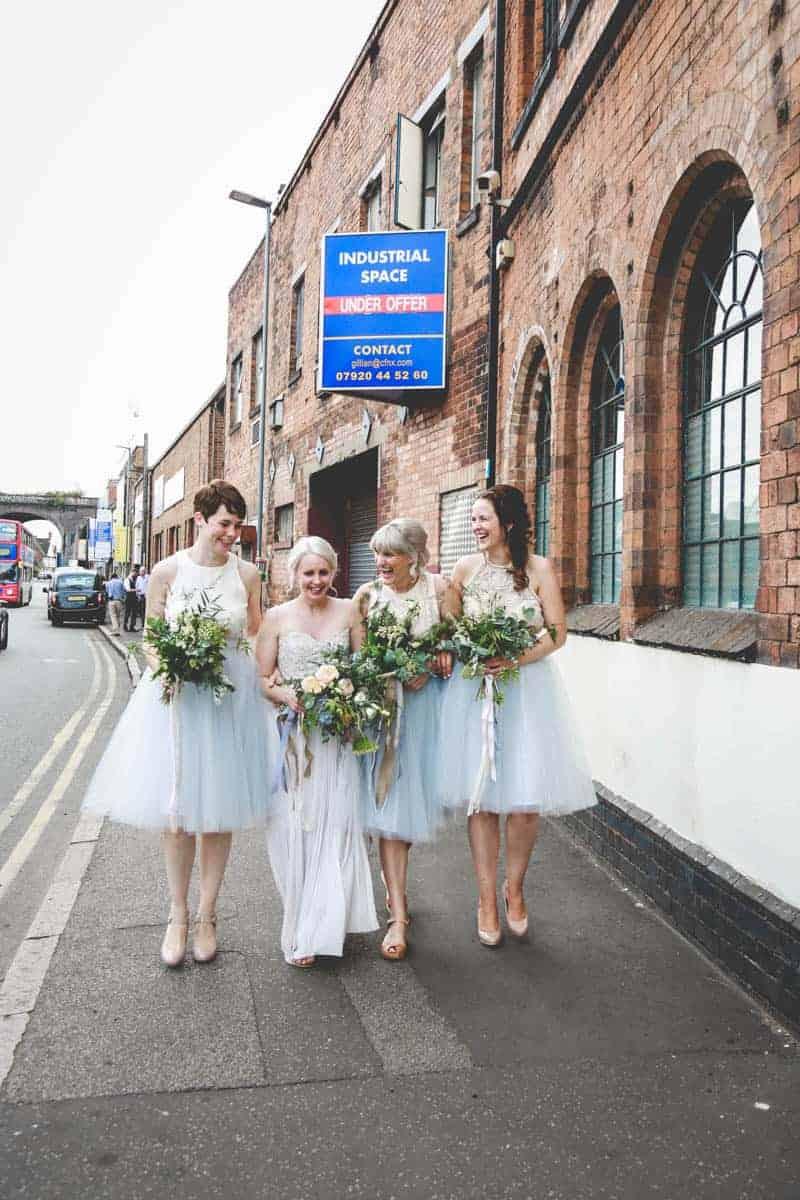 edgy-minimalistic-wedding-in-a-birmingham-art-gallery-18