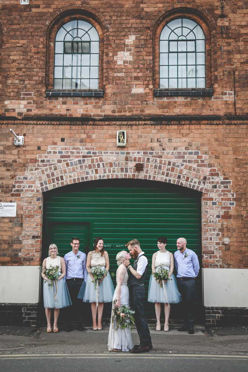 edgy-minimalistic-wedding-in-a-birmingham-art-gallery-21