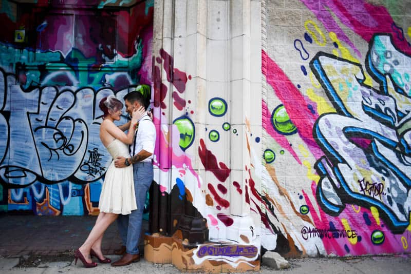 rock-roll-elopement-with-chicagos-colorful-wall-murals-7