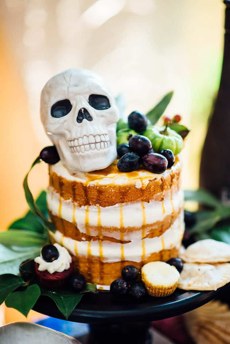 day-of-the-dead-halloween-wedding-ideas-21