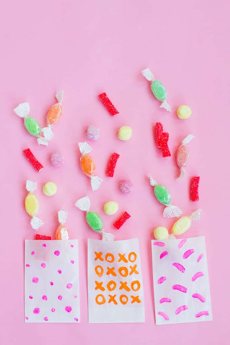 DIY EASY PAINTED WEDDING FAVOUR BAGS FOR CANDY AND SWEETS | Bespoke ...