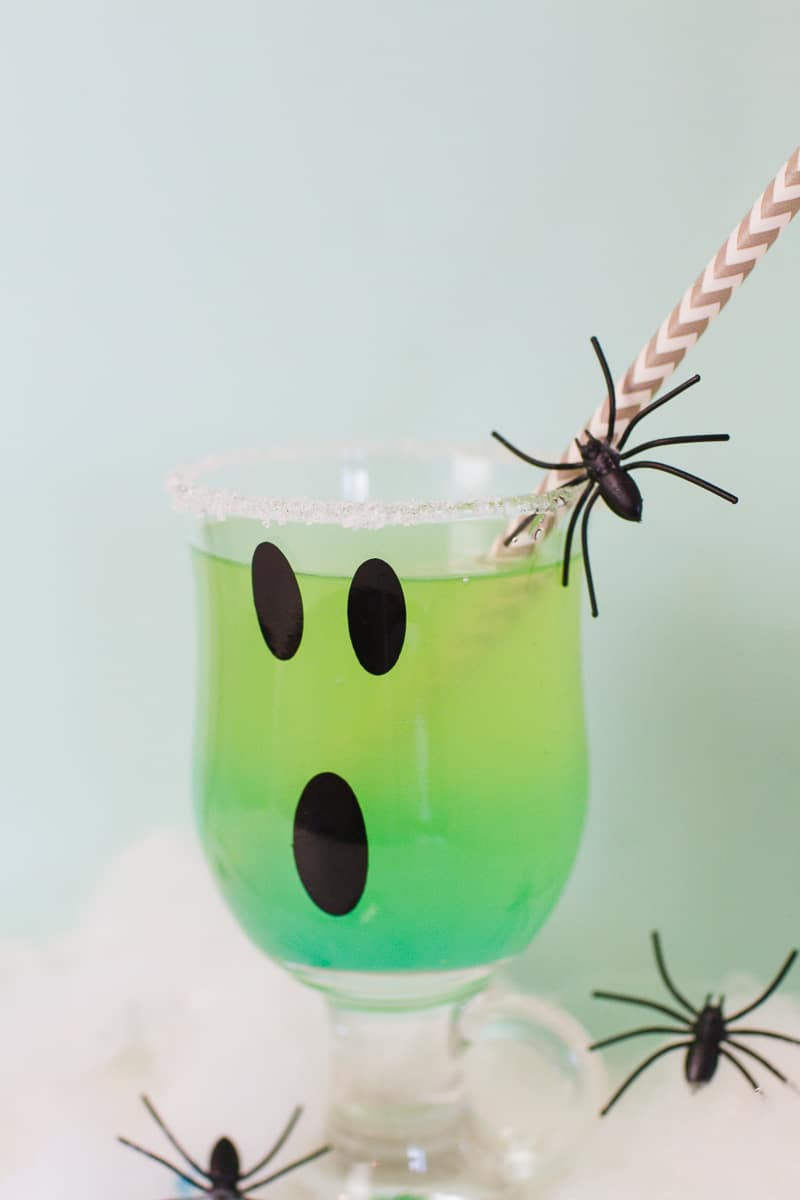 green-halloween-cocktail-recipe-rum-curacao-apple-sours-fun-ghost-spooky-ombre-blue-3