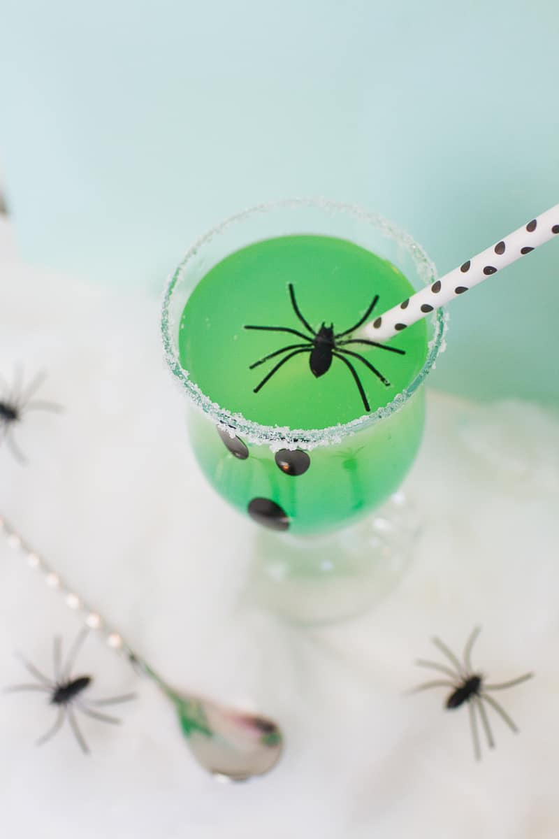 green-halloween-cocktail-recipe-rum-curacao-apple-sours-fun-ghost-spooky-ombre-blue-7