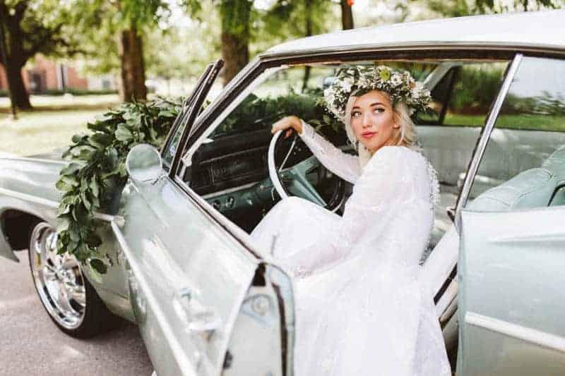vintage-american-car-unique-wedding-car-transportation