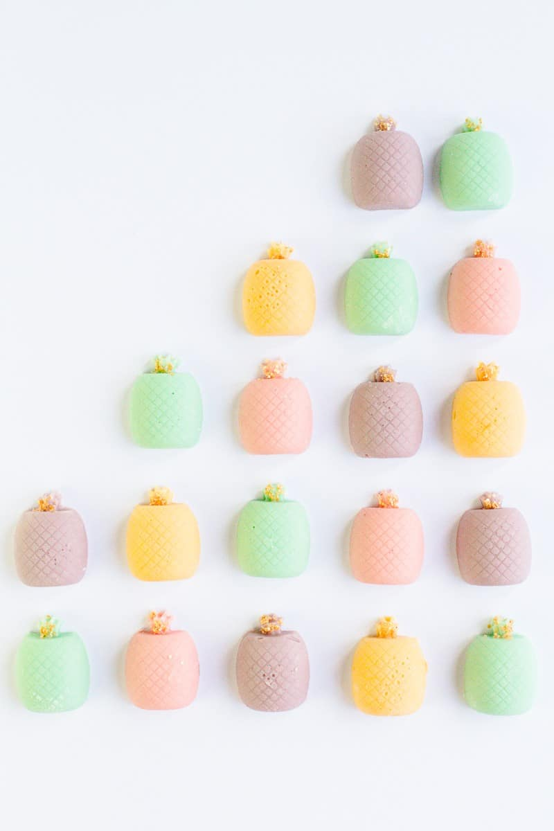 20-favourite-diys-for-your-hen-party-diy-chocolate-pastel-pineapples