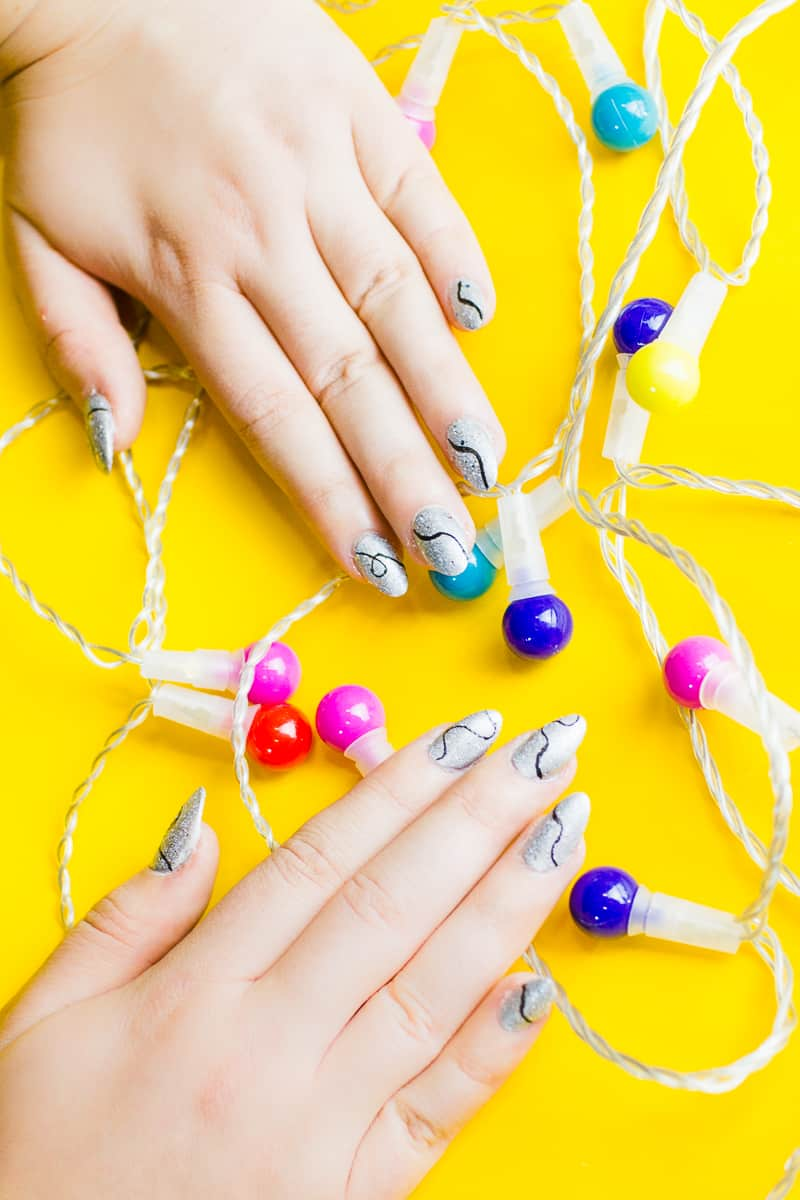 christmas-light-nails-manicure-mani-festive-colourful-xmas-silver_-3