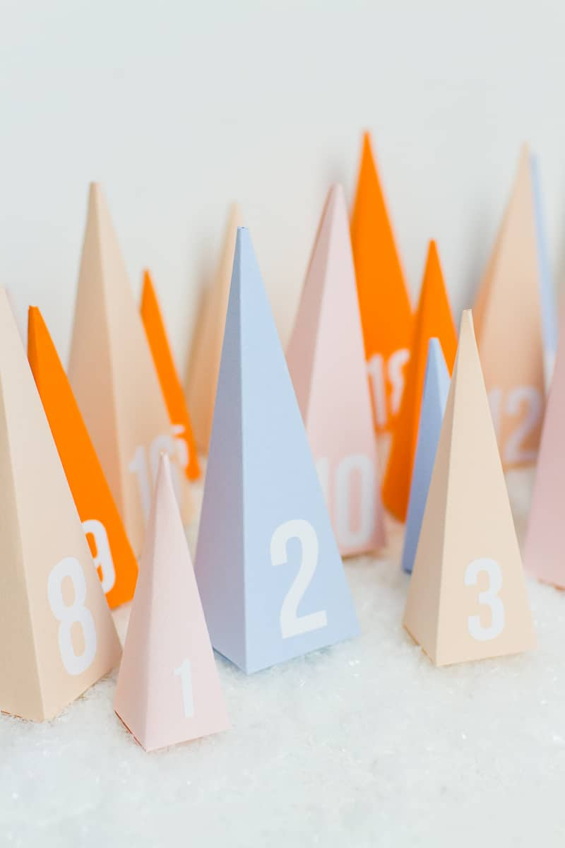 diy-advent-calendar-christmas-tree-pyramid-modern-colourful-handmade-cricut-card-sweets-candy-chocolate-35