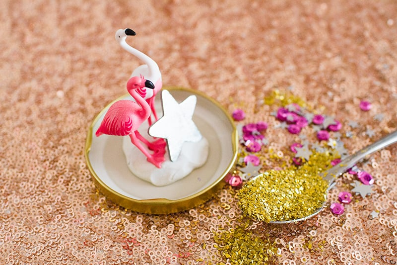 diy-flamingo-snow-globes-1