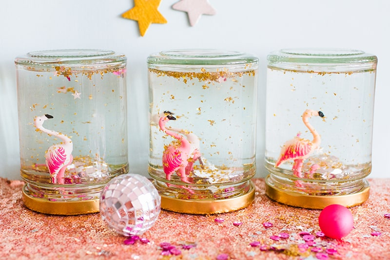 diy-flamingo-snow-globes-5
