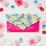 WE'RE FEELING FLORAL WITH THIS DIY FLOWER CLUTCH TUTORIAL!