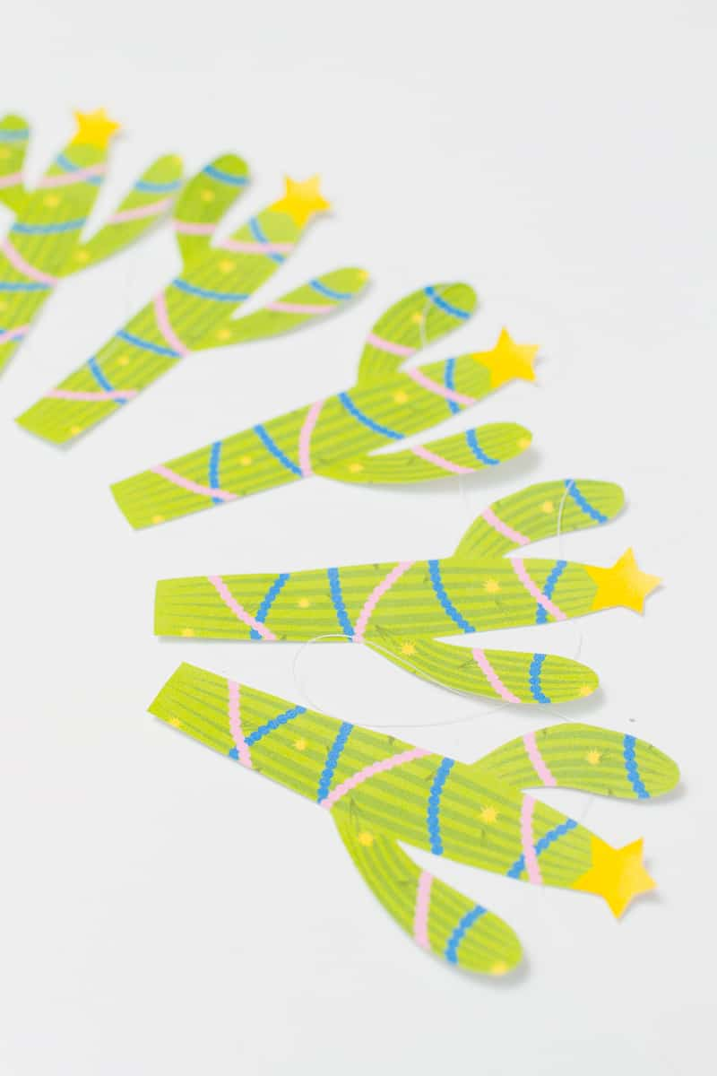 free-printable-christmas-cactus-garland-festive-decorations-banner-cacti-tinsel-stars-diy-tutorial-homemad-5
