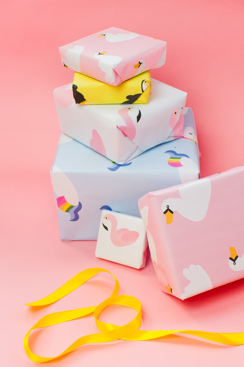 free-printable-pool-float-wrapping-paper-christmas-gift-wrap-birthday-flamingo-toucan-swan-unicorn-themed-4
