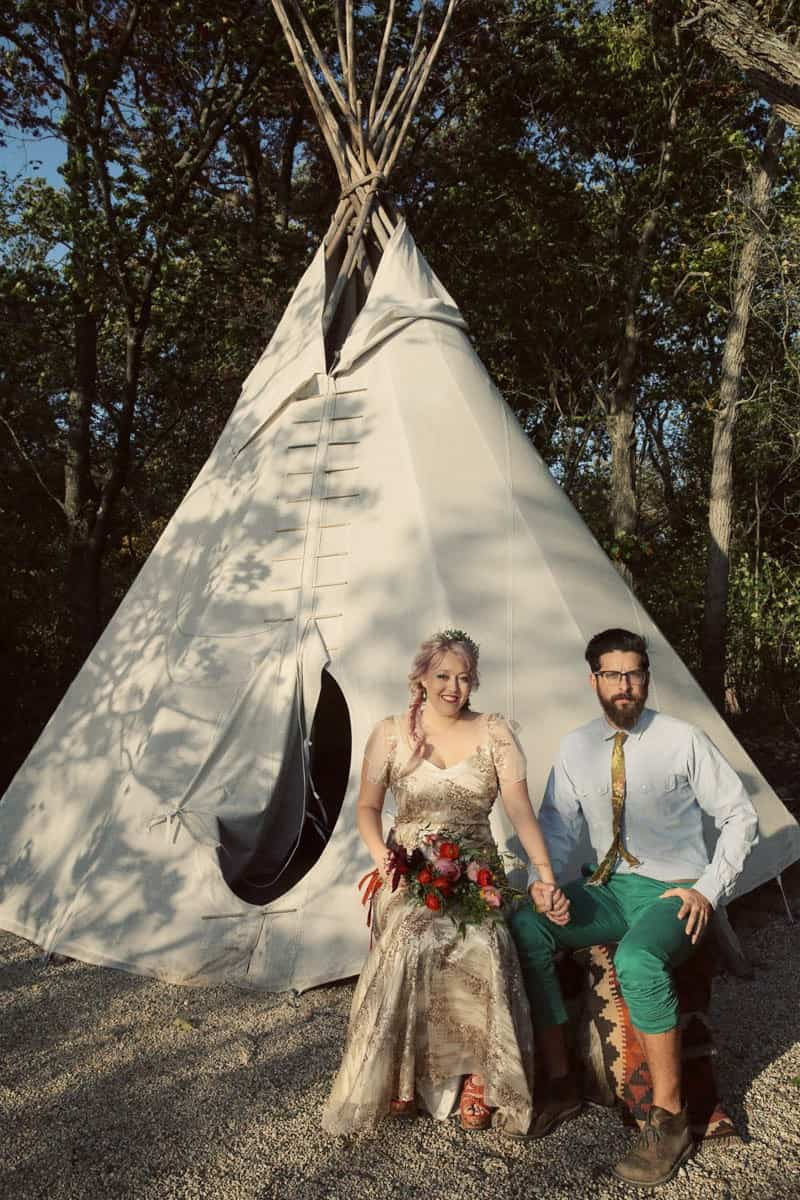 indie-camp-wedding-style-ideas-18