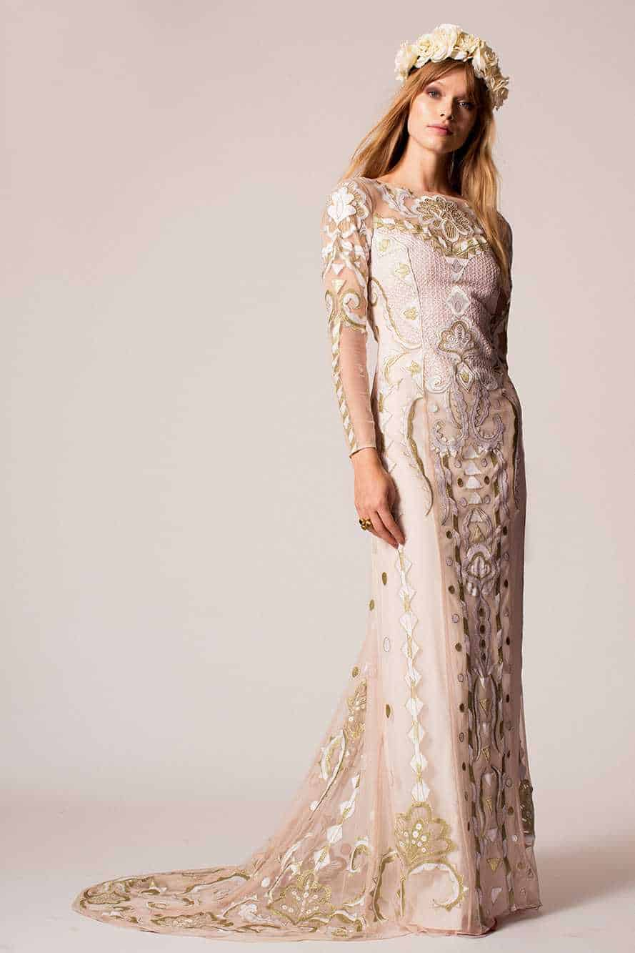 16 WEDDING DRESSES WITH SLEEVES