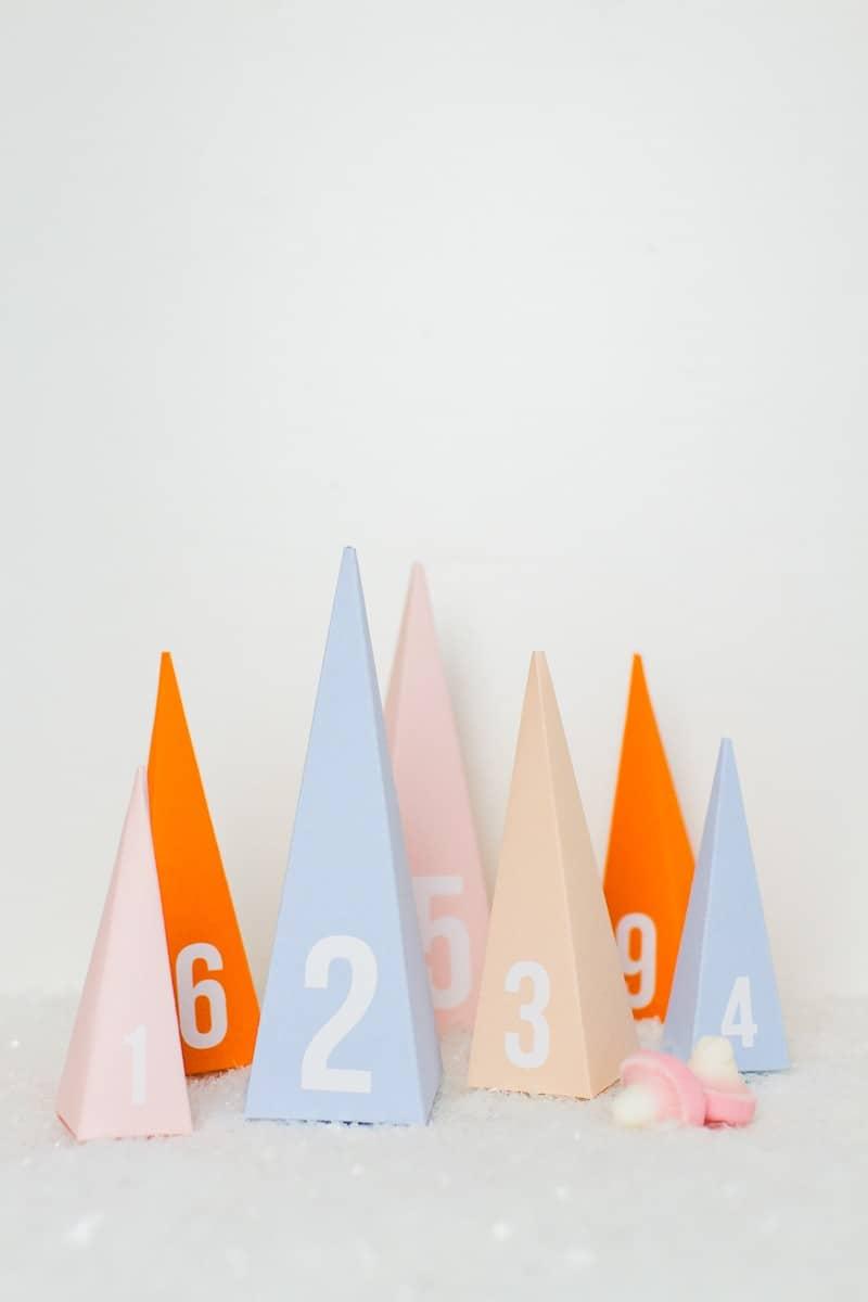 20-favourite-christmas-diys-pastel-christmas-tree-advent-calendar