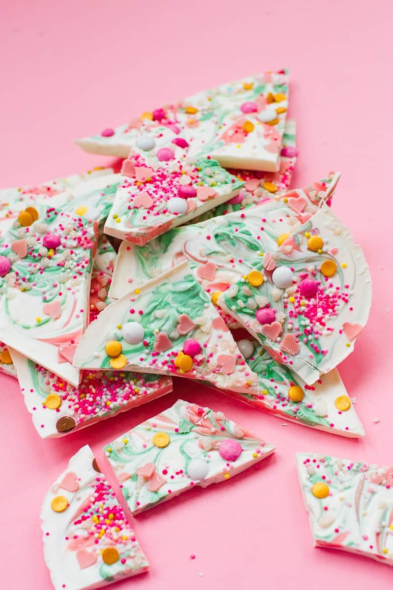 candy-bark-christmas-festive-pink-green-white-candy-melts-chocolate-bark-xmas-sprinkles-favours-11