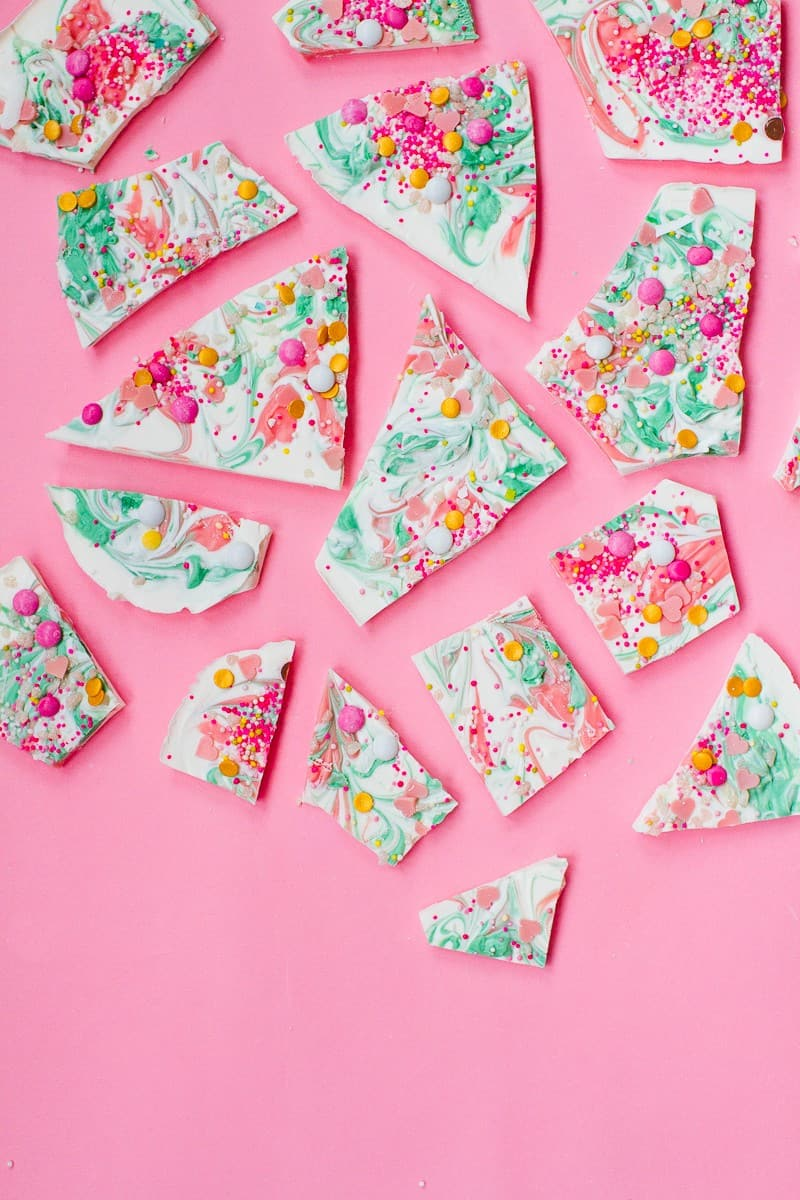 candy-bark-christmas-festive-pink-green-white-candy-melts-chocolate-bark-xmas-sprinkles-favours-8
