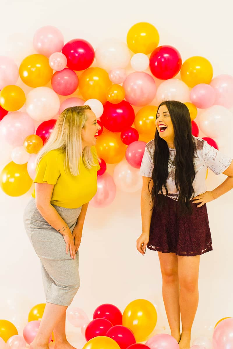 diy-balloon-backdrop-new-years-eve-photo-booth-colourful-fun-decor-ideas-tutorial-13