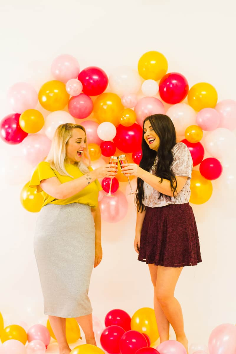 diy-balloon-backdrop-new-years-eve-photo-booth-colourful-fun-decor-ideas-tutorial-16