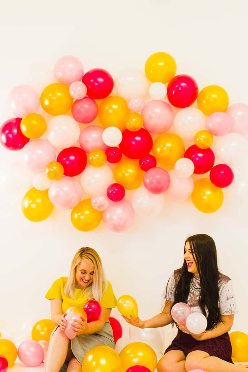 diy-balloon-backdrop-new-years-eve-photo-booth-colourful-fun-decor-ideas-tutorial-22