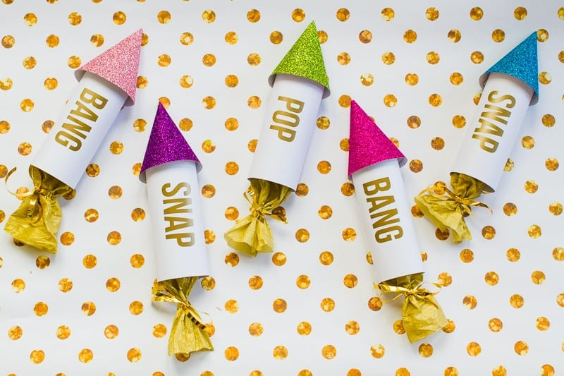 diy-confetti-rockets-wedding-tutorial-moddern-colourful-glitter_-10