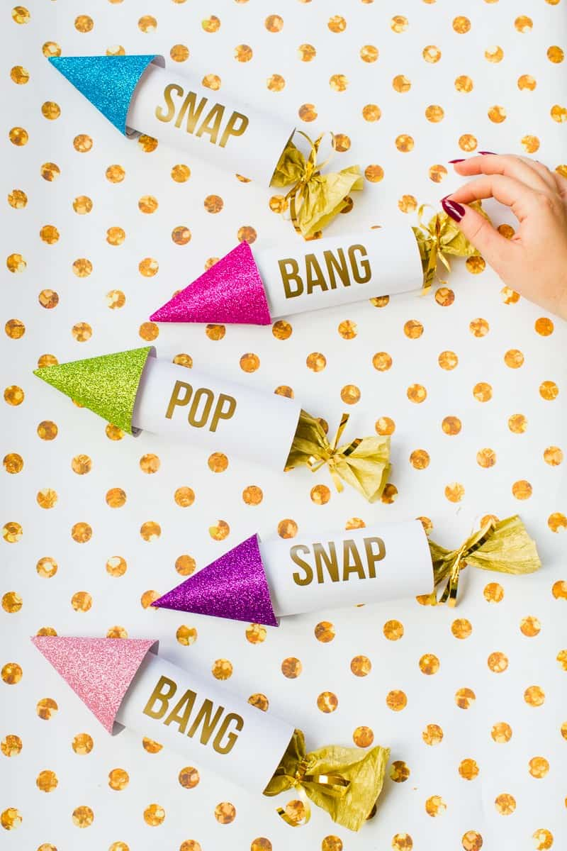 diy-confetti-rockets-wedding-tutorial-moddern-colourful-glitter_-12