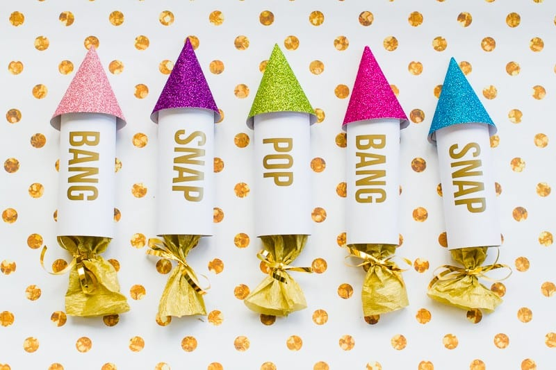 diy-confetti-rockets-wedding-tutorial-moddern-colourful-glitter_-8