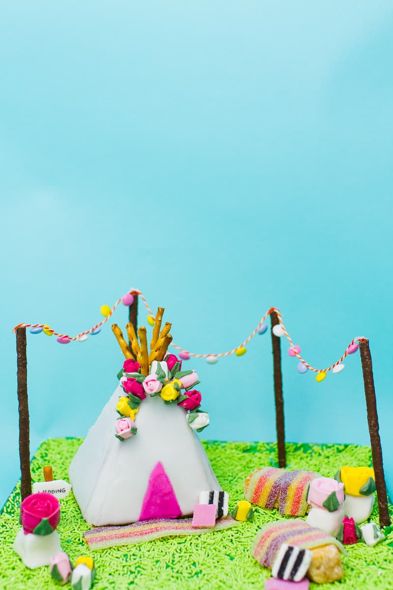 unique-ginger-bread-house-teepee-tipi-christmas-fun-festival-colourful-bake-make-your-own_-16