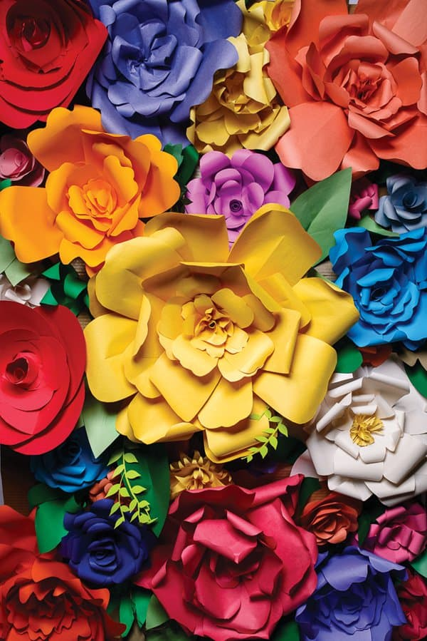 Best Paper Flower Tutorials For Your Wedding Giant Paper Flowers