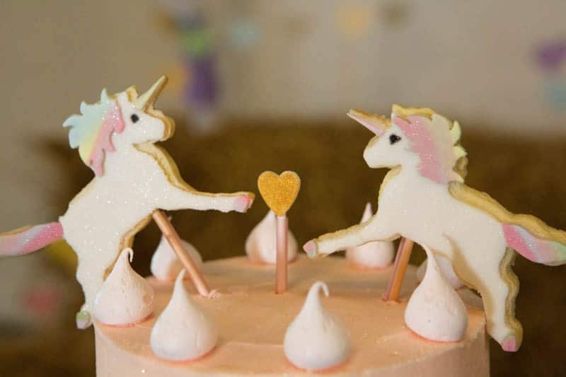 COLORFUL UNICORNS AND RAINBOWS THEMED WEDDING IDEAS (14)