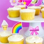 THESE DIY EMOJI CUPCAKE TOPPERS ARE THE CUTEST!