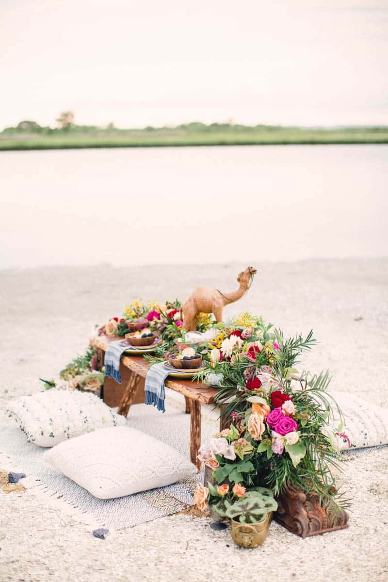 HOW TO STYLE A MOROCCAN BOHO BEACH WEDDING (16)